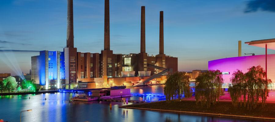 VW Werk beleuchtet Copyright: Blickfang @ fotolia.com