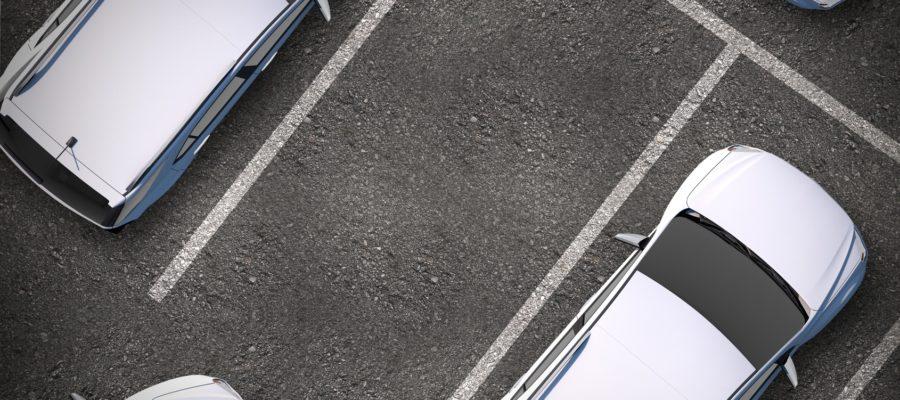 Parkplatz in Echtzeit finden - ein neues Projekt von Daimler Benz und Bosch.  Bildlizenz Copyrigth by Tomasz Zajda @ fotolia.com