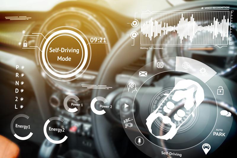 Sensoren unterstützen autonomes Fahren - Copyright zapp2photo @ fotolia.com