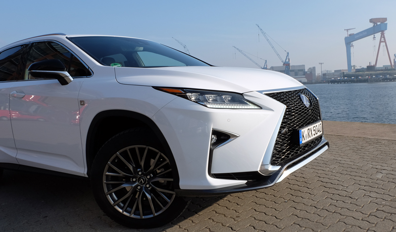 Lexus RX 450h - Copyright green car magazine