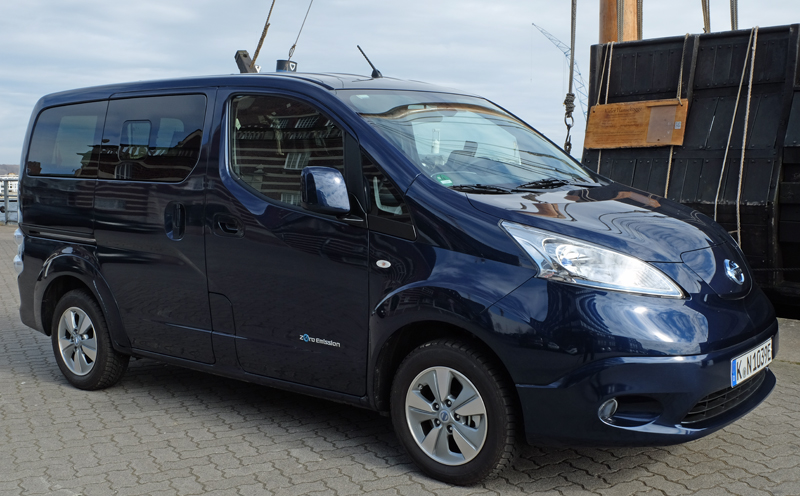 Nissan e-NV200 EVALIA - Copyright green car magazine