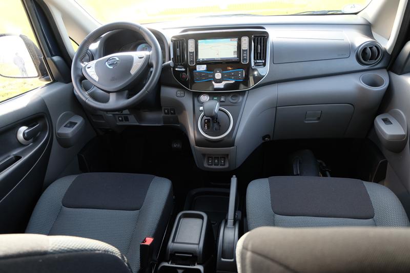 Innenraum Nissan e-NV200 EVALIA - Copyrgiht green car magaziner