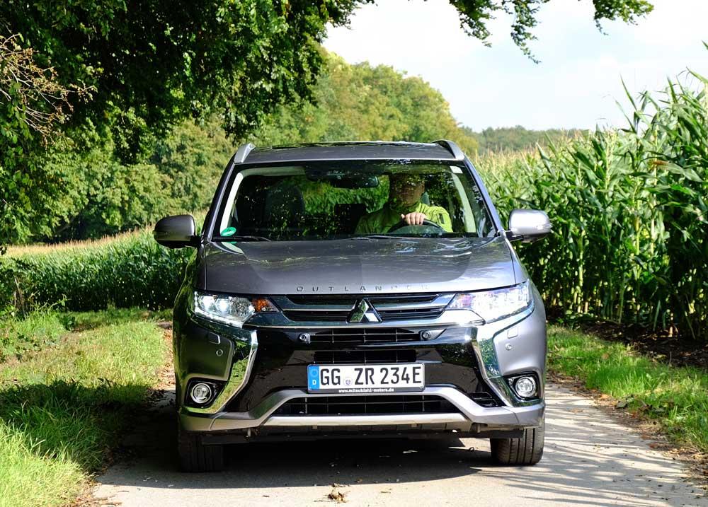 Mitsubishi Outlander PHEV - Copyright green car magazine