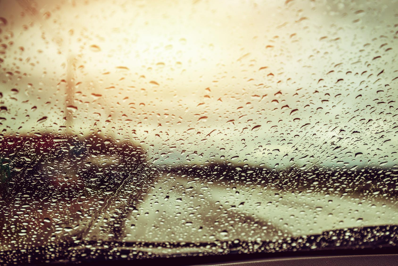 Sinnbild Regenwasser für Scheibenwaschanlage - Copyright last19 @ fotolia.com