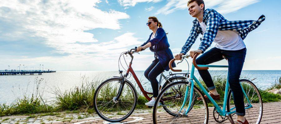 Unterwegs mit dem Fahrrad - Copyright Jacek Chabraszewski @ fotolia.com