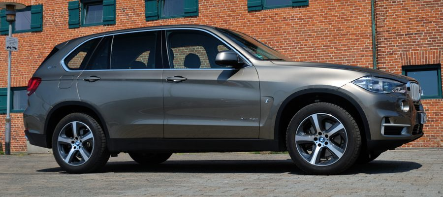 BMW X5i 40e - Copyright green car magazine