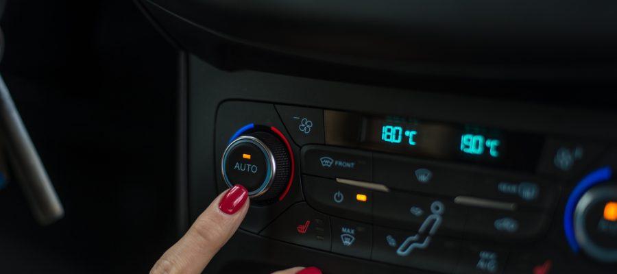 Die Klimaanlage im Auto - Copyright antic @ fotolia.com