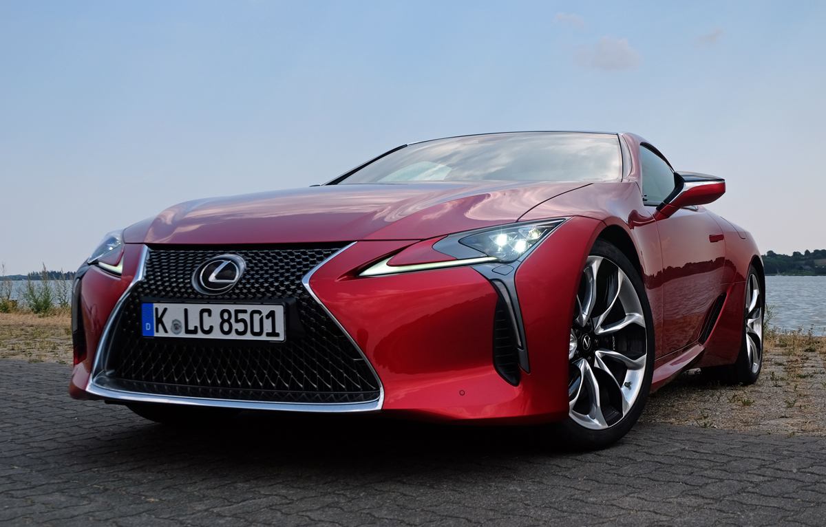Lexus LC 500 - Copyright green car magazine
