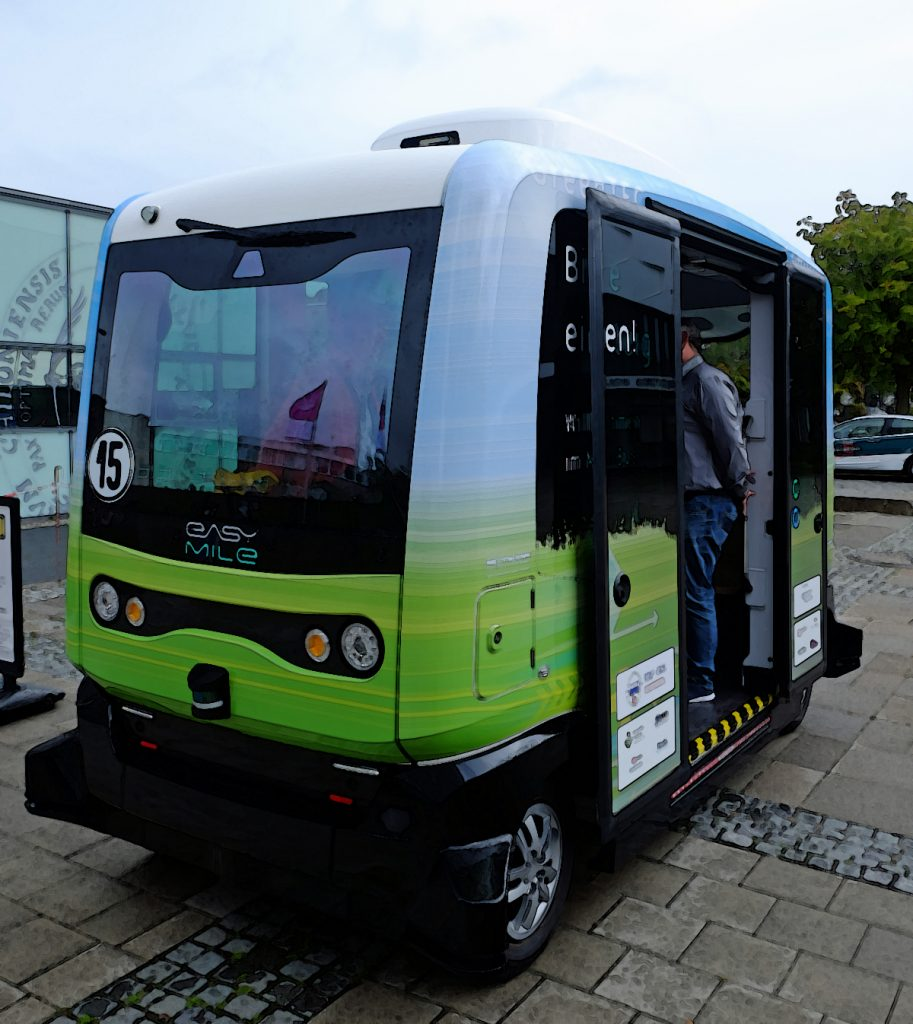 NAF -Bus auf dem Campus in Kiel - Copyright green car magazine
